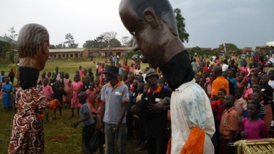 Give English Text books to 300 students in N. Kivu