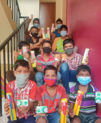 Children with their new toiletries