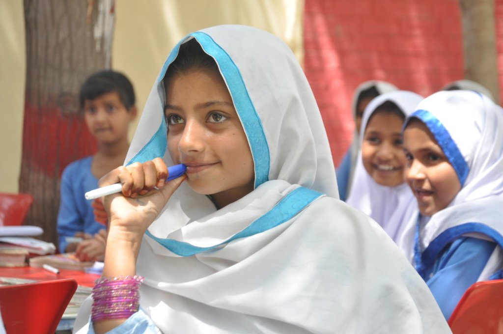 Dropout 500 Girls Back to High School in Pakistan
