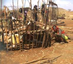Gabra women building nomadic house