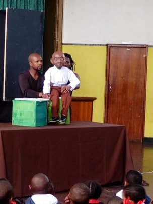 Puppet Show at Pauw Gedenk School