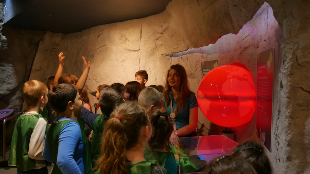 Kids from Vratsa study the geology of the Earth