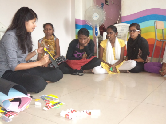Craft classes by a volunteer