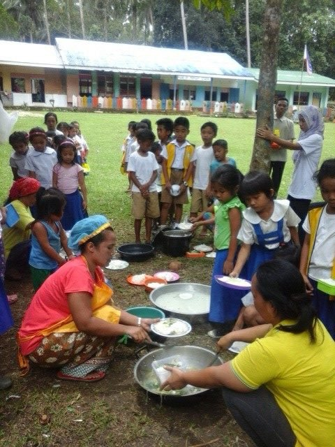 Mass Feeding at Manilop Elementary