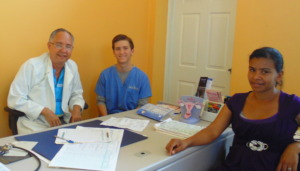 Daniel Olivieri, center, at Clinica Verde.