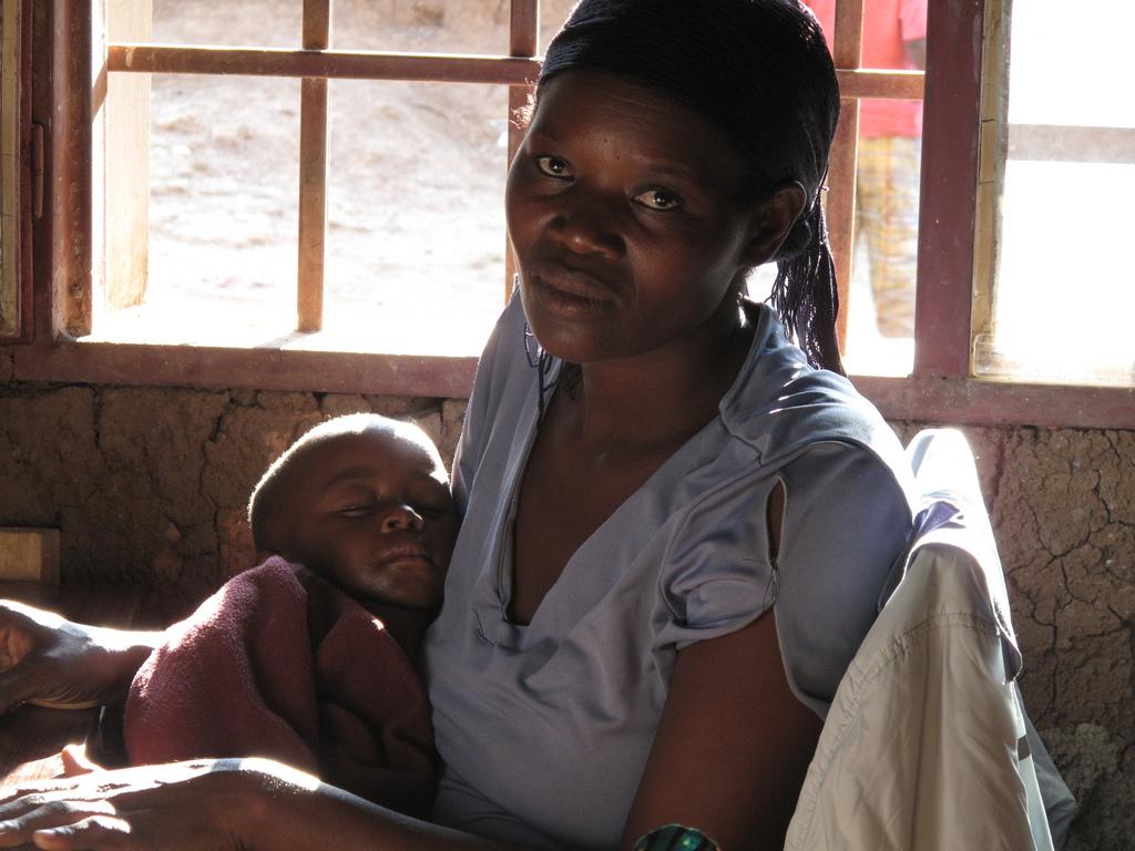 Rwandan mother & Global Grassroots beneficiary