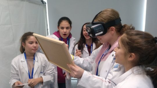 Girls diving into different perspectives of VR!