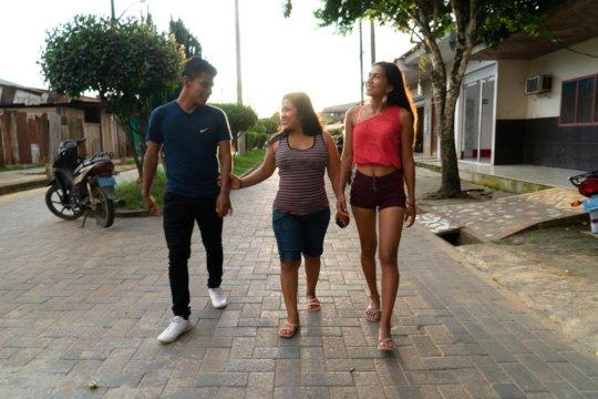 Visiting Cuschillococha, Leonarda's community