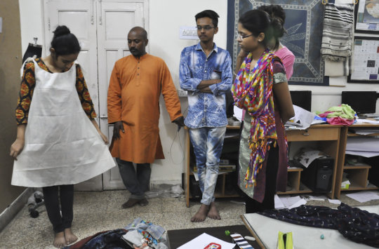 Vahabhbhai reviews a test fit