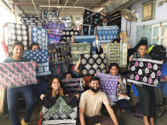 Srishti students batik workshop with Shakilbhai