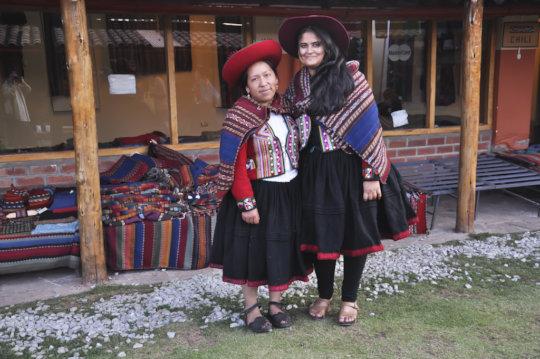 Zakiyaben meets fellow artisan in Cusco