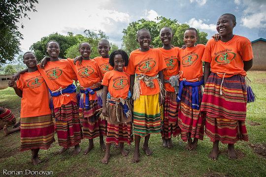 Girls Dancing (photo by Ronan Donovan)