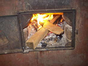 Fuel-efficient stoves maintain the heat