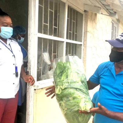 "Farmers donate ""lettuce aid"" to local hospital"