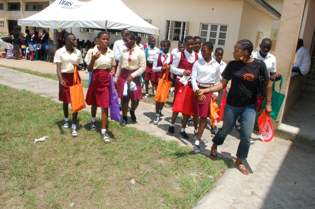 Provide WASH libraries and Pads4Girls in Nigeria