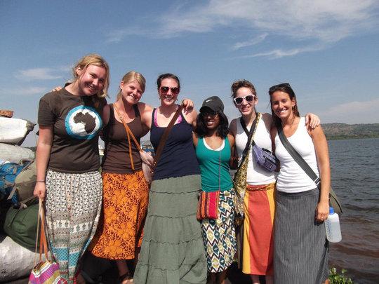 2010 Travelers departing to Lingira Island