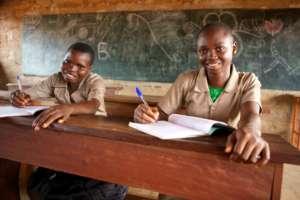 Batonga girls in Benin