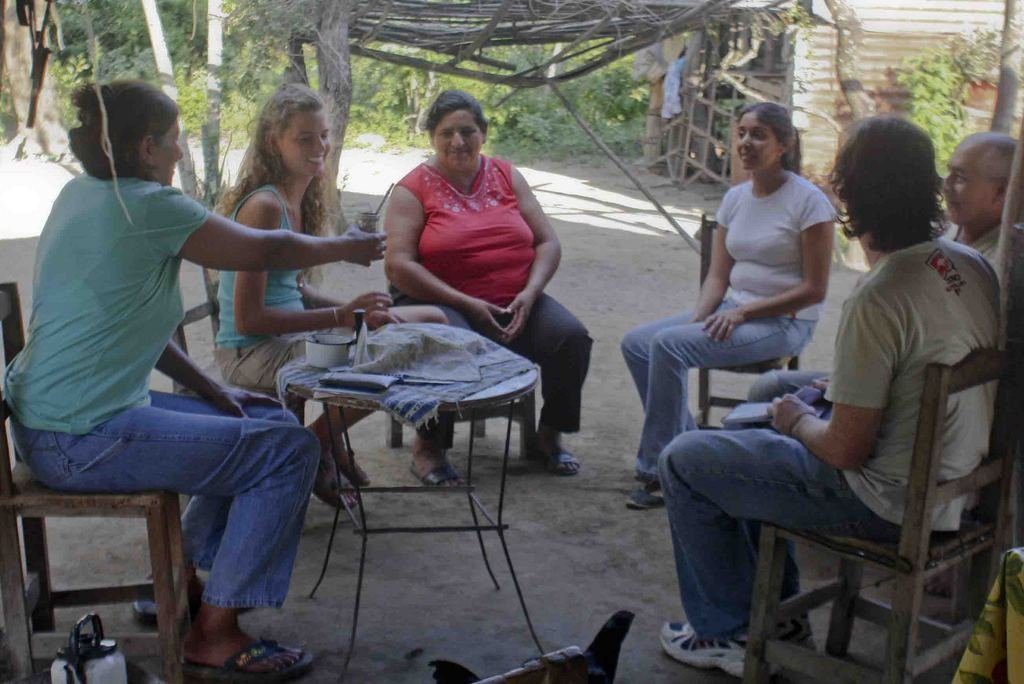 Teaching handcrafts to 20 women in Argentina