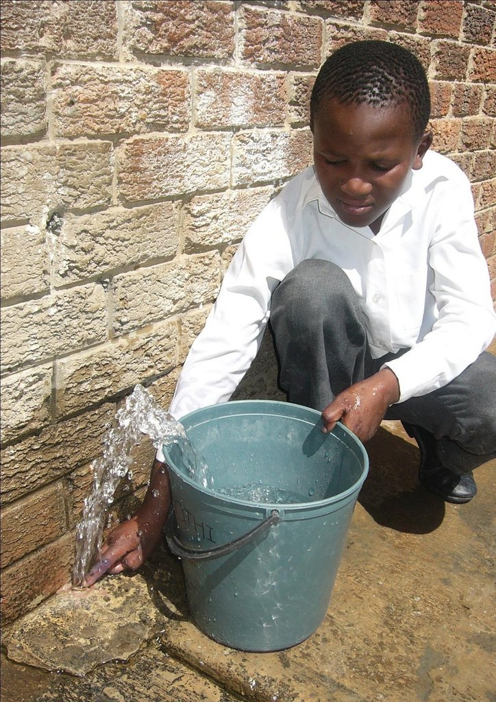 Providing 26 Schools with Rainwater Tanks