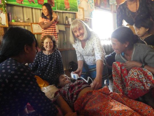 Maaike & Frances, volunteer midwives