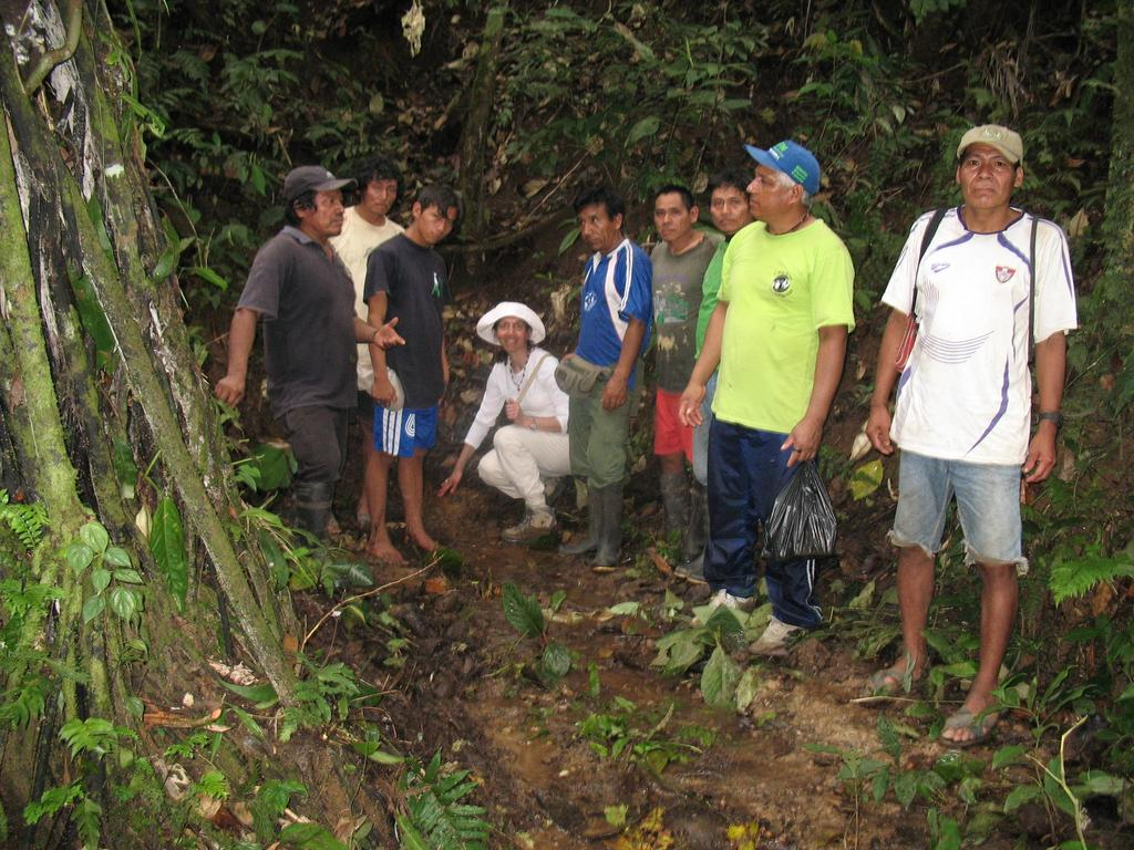 Villagers & HOTC at the point where the water will be captured f
