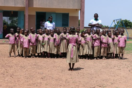 Children and staff of Oualana