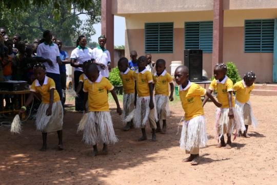 Dancing in Oualana