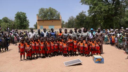 Children and staff of the nursery school of Fina