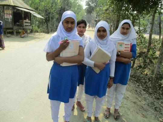 Babita  going to school with her school Friends