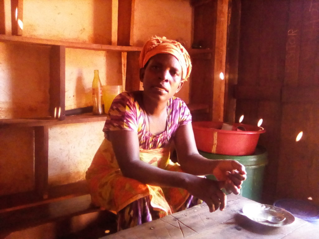 Angelina tells how solar light help her business