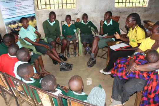Dialogue with pupils on dangers of FGM
