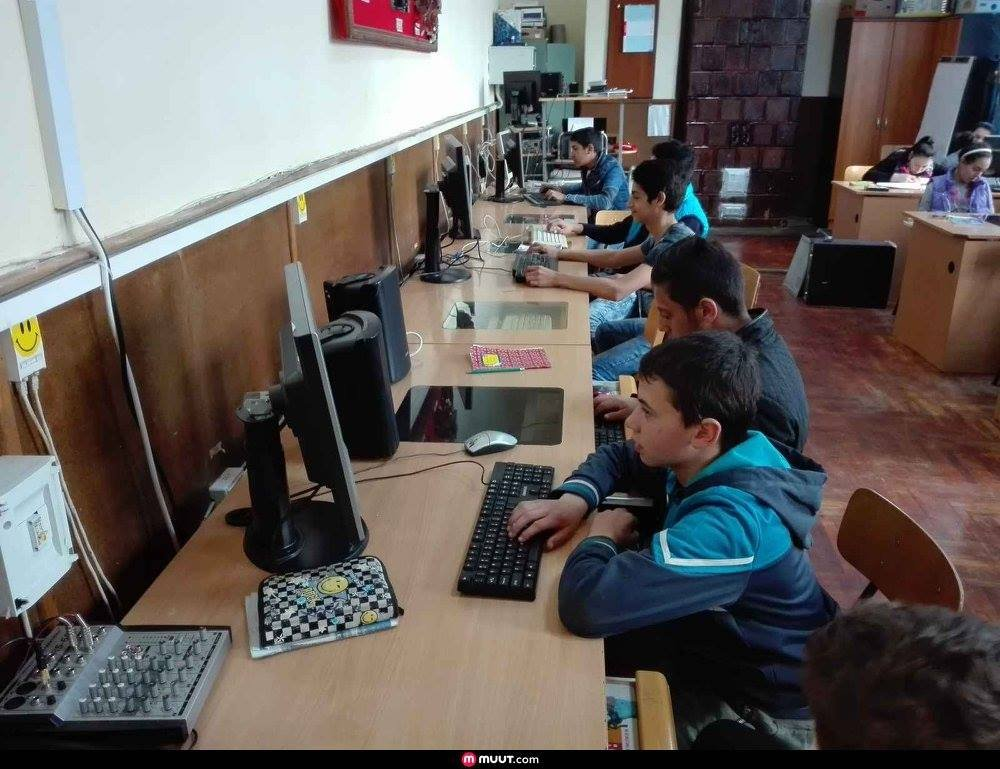 Give 500 Computers to Romania's Disadvantaged Kids