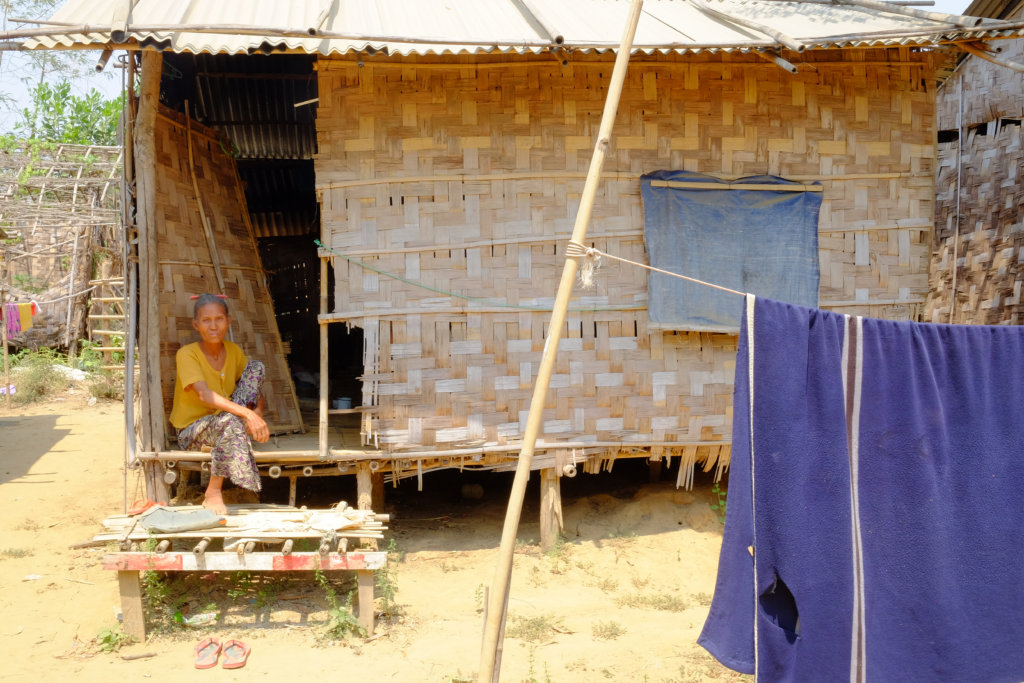 Empower 100 women to sell solar lights in Myanmar