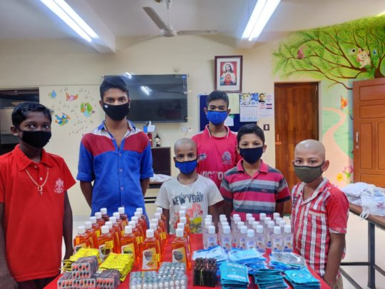 Children with the medical kit items