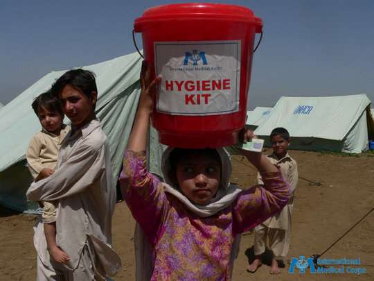 Give emergency health care and relief to Pakistan