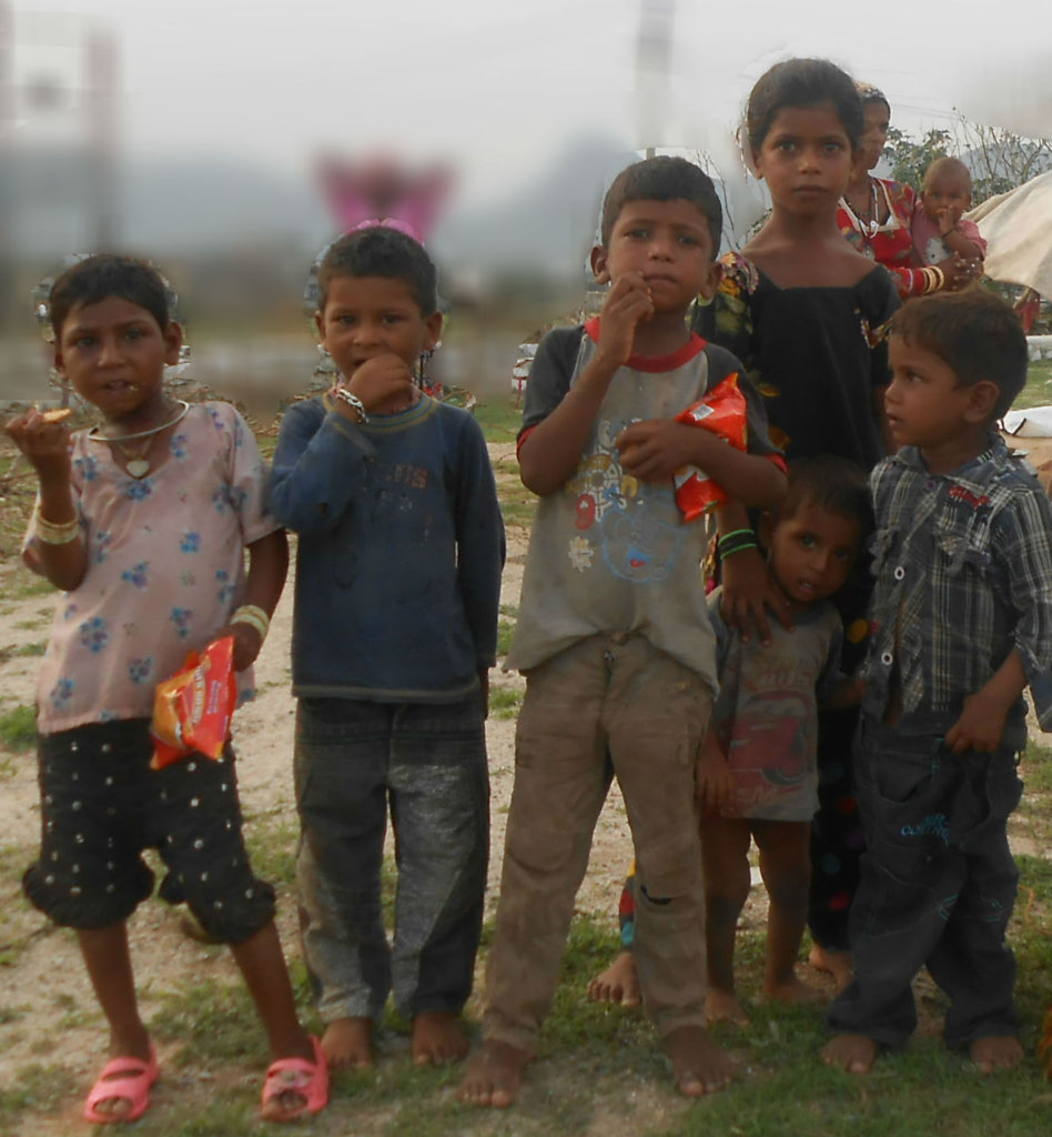 Sponsor Toys & Nutritious Meal for 25 Slum Child