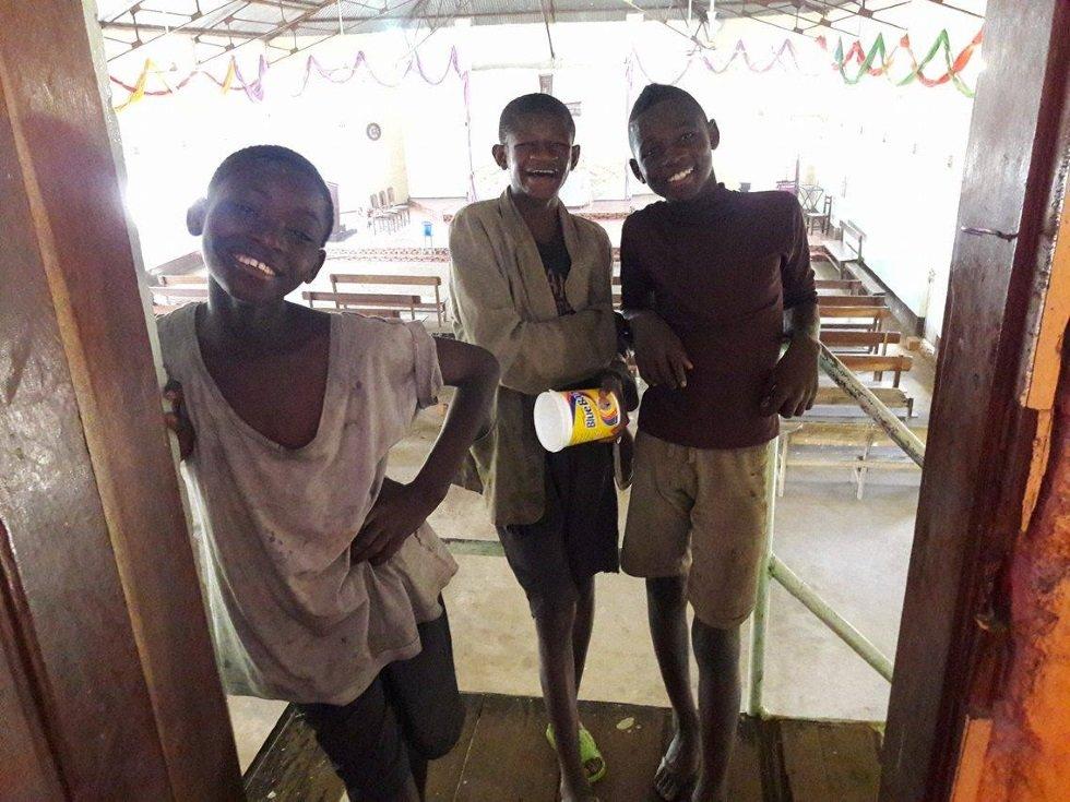 Children enjoying Centre Kimbilio