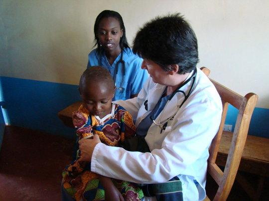Volunteer work in Kisesini clinic