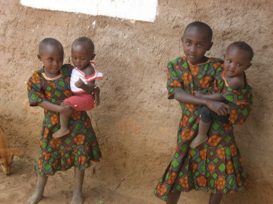 Kamba children in a village near Kisesini