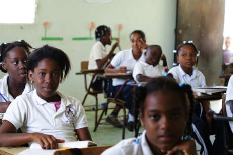 Offer Hope for 300 Youth in the Dominican Republic