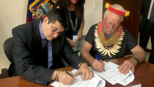 Ministerio de Ambiente de Ecuador: signing treaty