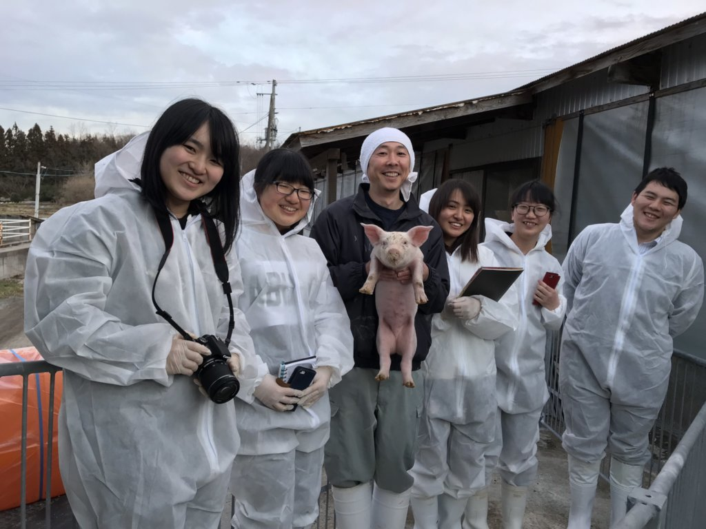 Student reporters and Mr. Nakanome