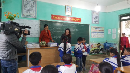 Visit a primary school in Quy Hop
