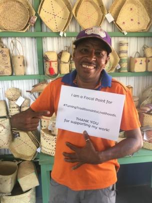 Tomas, the focal point for Makadade artisans!