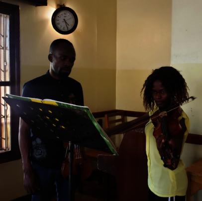 Phiona violin lesson before Lockdown
