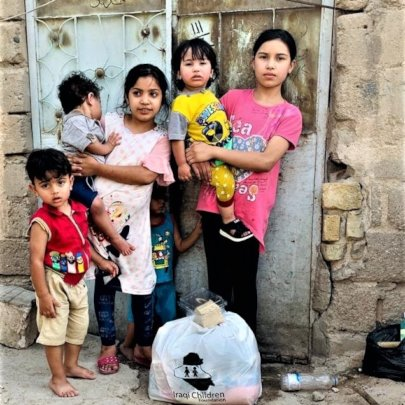Gifts of food, hygiene supplies to kids in Basrah