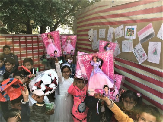 Fulla dolls and soccer balls - gifts for all!