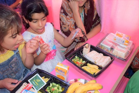 Give them a nutritious lunch