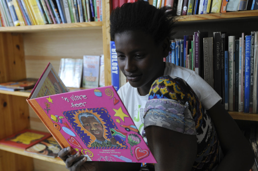Mother tongue Books to South African Children