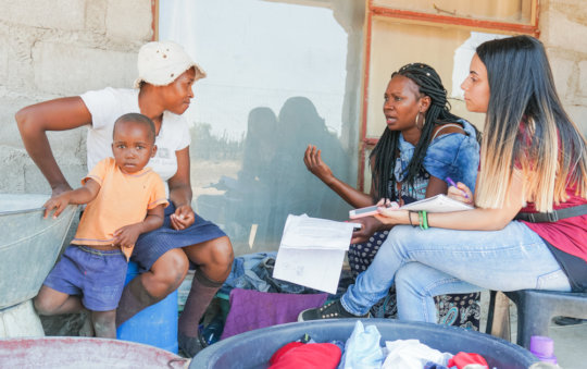 Collet & Chantal interviewing a Hluvukani woman